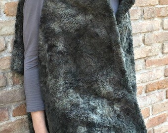 Shrug, shawl, capecoat