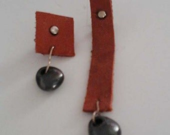 Leather and onyx silver earrings