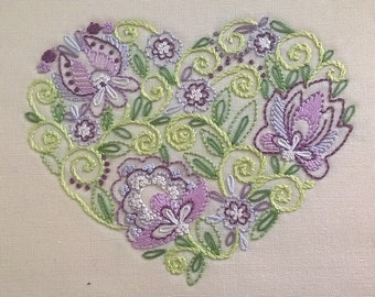 Tender heart - Traditional Embroidery Kit