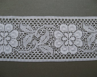 WHITE Floral Lace Trim, width 75mm, polyester, PER METRE
