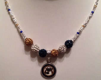 Eyecatching St Louis Blues womens sparking necklace.