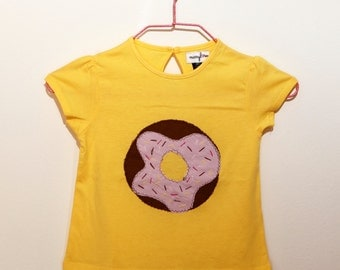 T-shirt girls (18 months) with yellow donuts