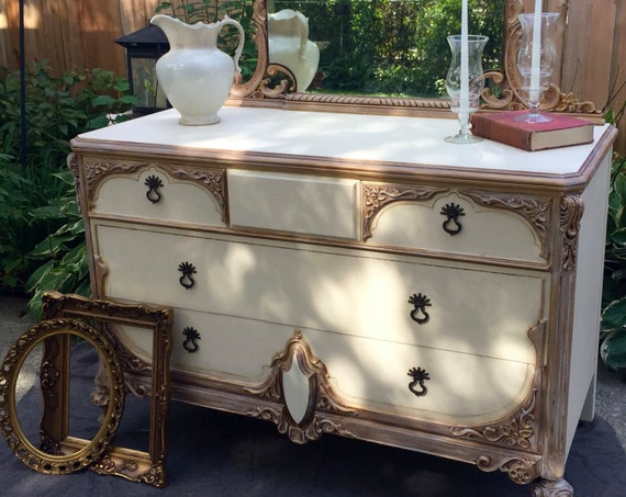Italianate Florentine style gold accent dresser/Ornate dresser with mirror/Vintage Romantic furniture/Hand painted furniture/gilded mirror