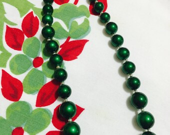 1960s/Vintage/Green Beaded Necklace/Mad Men