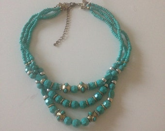 3 strand vintage turqouise-coloured necklace