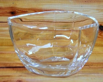 Tiffany & Co Crystal Centerpiece Bowl. Box 286