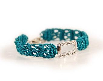 crystal bracelet - smaragd - crochet bracelet - christmas gift ideas - fiber bracelet - green - rhinestone bracelet