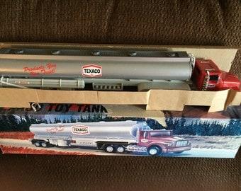 1995 Edition 1975 Texaco Toy Tanker Truck