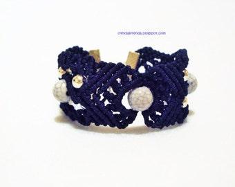 Midnightblue macrame bracelet