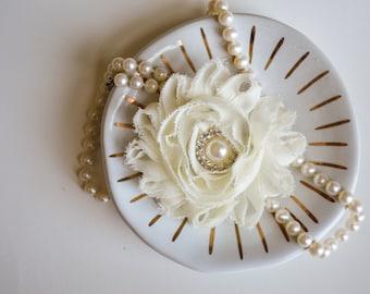 Ivory Hair Clip, Ivory Wedding Hair Clip, Flower Girl Hair Clip, Bridesmaids Hair Clip Ivory, Bridal Ivory Hair Clip, Ivory Wedding, Flower
