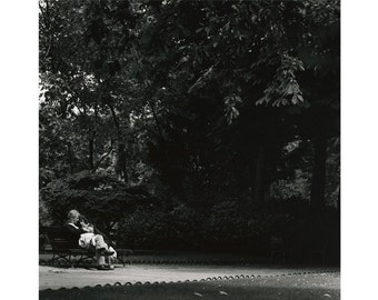 Couple, Luxembourg Gardens, Paris