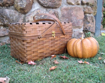 Vintage Wicker Tanqueray Promotion Large Picnic Basket