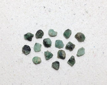 ON SALE - Small rough emerald, raw emerald lot // B*1325