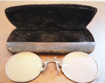 Spring Bridge Pince Nez Glasses - FREE SHIPPING
