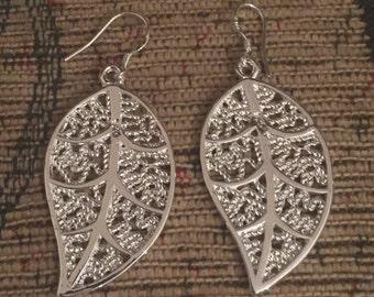 Leaf leaves silver dangly earrings