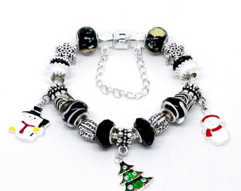 Christmas Holiday Charms Glass Beads Silver Plated Bracelet 7.5 Inches