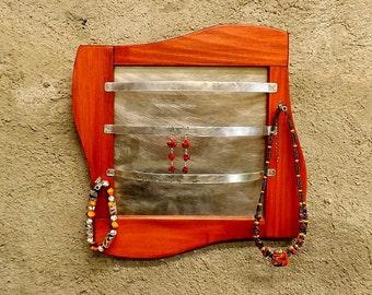 Door-tinted lime clove jewelry.