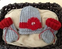 Ohio State baby girl hat,Ohio State football hat for newborn girl,Ohio State Baby booties,football baby hat,OSU baby football hat