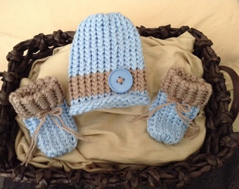 Baby boy hat and booties set,Blue knit baby boy beanie hat,brown stripe,Baby boy hat,Light Blue and Brown Baby, Newborn baby hat and booties