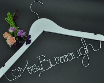Unique wedding personalized name hanger,Custom name hanger,Wedding dress hanger, Bridal hanger,Bridesmaids gift, Wire name hanger