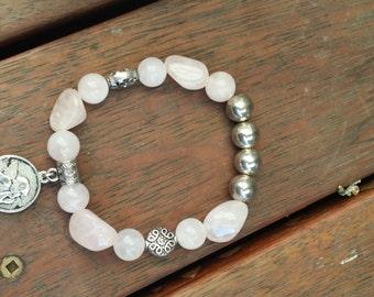 Gemstone bracelet, rose quartz