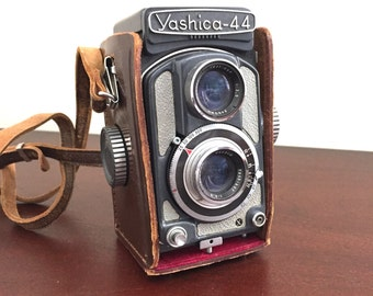 Vintage Yashica 44 Twin Lens Reflex Camera in Grey with Lovely Leather Protective Case