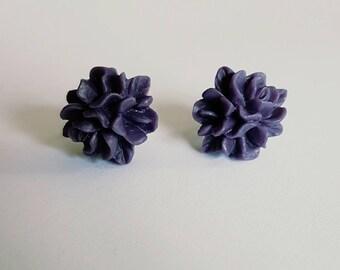 Deep purple resin flower stud earrings.