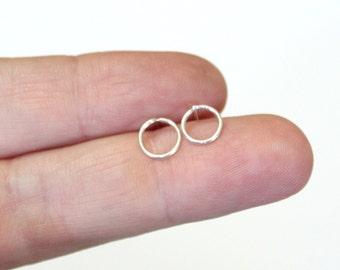 Tiny Circle earrings silver sterling, silver studs, minimalist silver earrings, simple silver circle earrings, everyday earrings