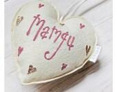 """Calon Meddal Addurniadol Mamgu  // Welsh """"Grandmother"""" heart shaped decoration."""