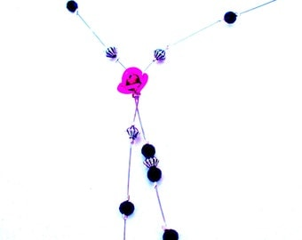 Ornament pink flowers, necklace and earrings