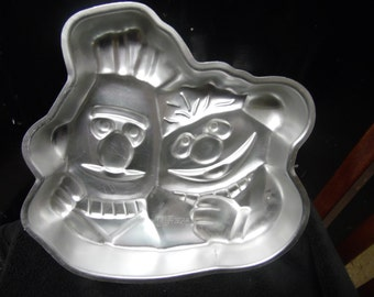 Bert and Ernie from Sesame Street cake pan by Wilton