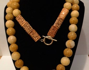 """Vintage Massive Unique  285 Grams Huge Jade Carved Bead 36"""" Necklace."""