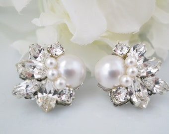Swarovski crystal and pearl post earring, Rhinestone and pearl bridal earring, Vintage post wedding earring