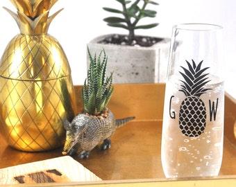 Monogram Stemless Flute - Pineapple, Personalized Glass, Monogram Gift, Bridesmaid Gift, Monogram Champagne, Pineapple Monogram