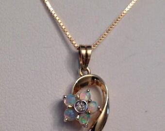 "Vintage 14k yg 5 Opal Cabochon & Diamond Flower Pendant with Swirl Stem, .02 tw on thin 18"" Box Chain"