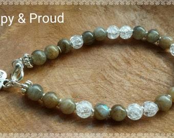 Bracelet Labradoriet / Bergkristal.  20 cm lang totaal.