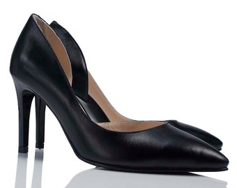 Hanna Black Leather Pumps