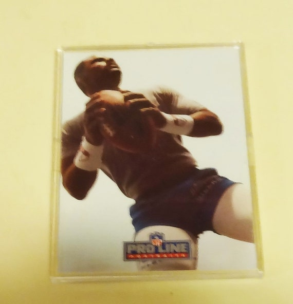 1991 Proline Warren Moon Autographed Football Card. Good Shape Authenticity Mark on Card