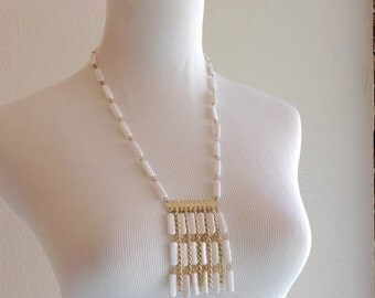 1970's White and Gold Tassel Necklace