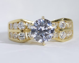 Cubic Zirconia 14k Gold Ring Size 5.75