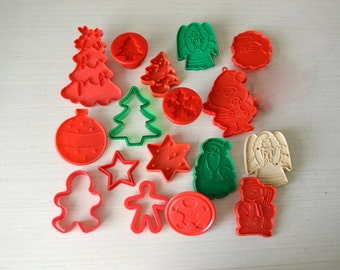 Christmas Cookie Cutters Set of 17 Pieces 1980s