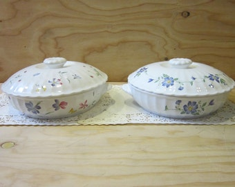 Pair of Mikasa Maxima 1 Quart Covered Casserole Dishes in Sorento and Rotunda Patterns
