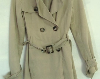 A Cute Vintage,Khaki Double Breasted SPY Trench Jacket by BENNETON.S