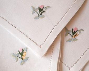 Vintage Linen Napkins White Set of 3 | Wedding Napkins | Cloth Napkins | Linen Cloth Serviette | Wedding Hankerchief