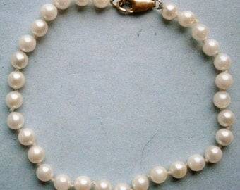 European Pearl Bracelet with 14K (.585) Gold Clasp