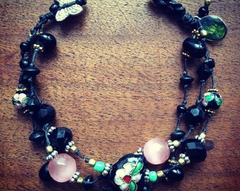 Handknotted luxurious colourful bracelet.
