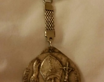 Vintage Roma Rome Italy Souvenir Catholic Pope Joannes Paulus John Paul Medallion Silver Tone Finish Key Chain