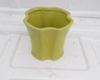 Lime Green Ceramic Vase Style G024 (FREE SHIPPING)