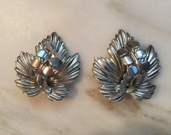 Vintage silver tone leaf earrings