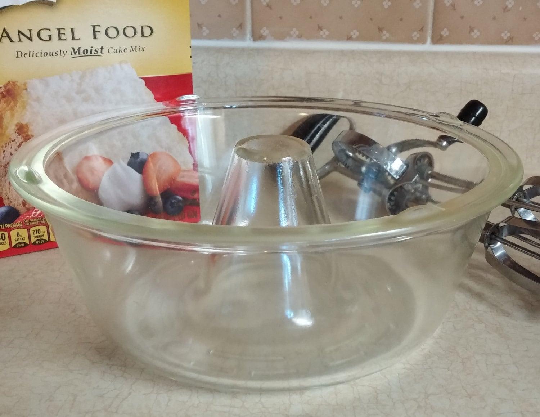 Angel Food Cake In Glass Pan